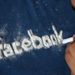 Los investigadores encuentran que las personas que no pueden dejar de entrar en Facebook son narcisistas, inseguras y sufren de baja autoestima.