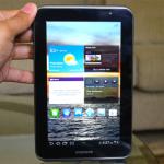 Samsung presenta su nueva tableta Samsung Galaxy Tab 2 7.0. Estará a la venta a partir del 22 de abril por sólo 250 dólares.
