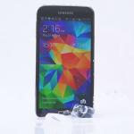 El Samsung Galaxy S5 realiza el ALS Ice Bucket Challenge y reta al iPhone 5S a hacerlo