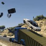 Un modder de GTA V coloca una rampa en el frente un camión y hace que los coches vuelen por los aires