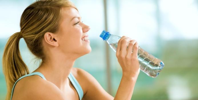 Beber agua salud